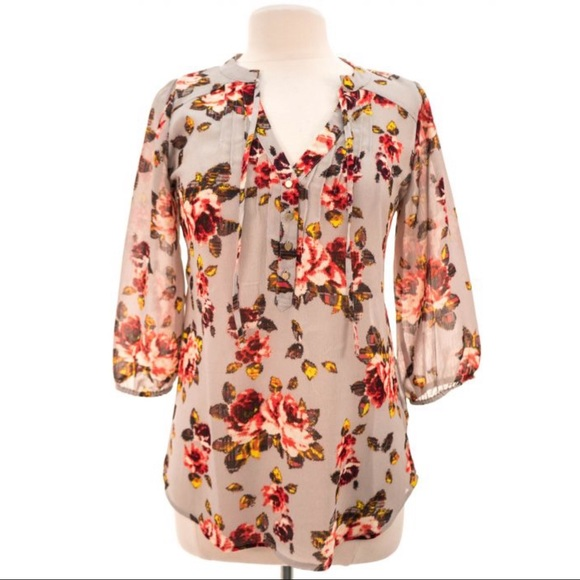 Vera Wang Tops - Princesses by Vera W Sheer Floral Top Gray